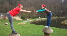 Laetitia et Stéphanie du CHOUFFE-Shop sur des champignons géants